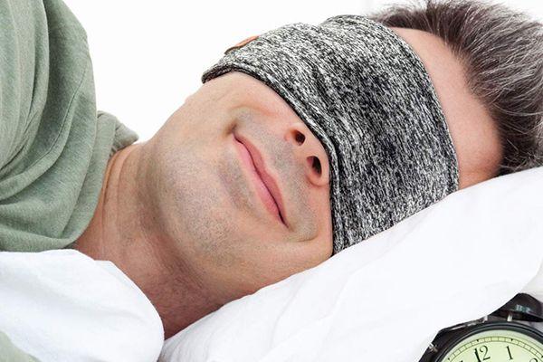 Le casque de sommeil de chez Azzker