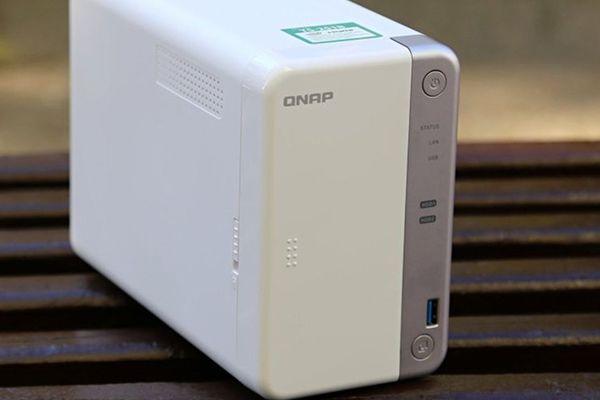QNAP TS-251B