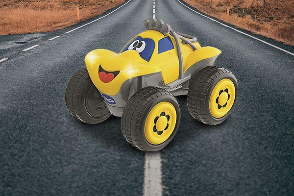 La voiture télécommandée de Chicco