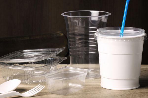 plastique jetable