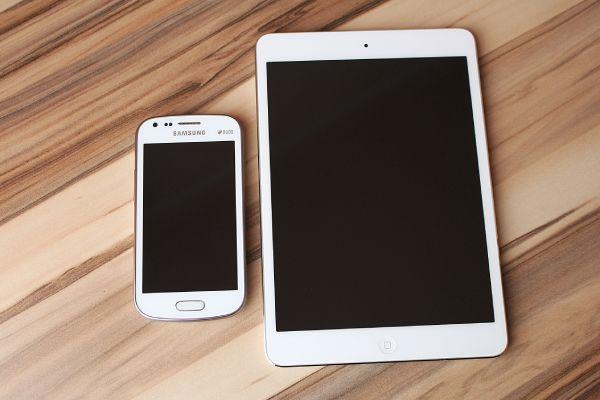 Comparaison smartphone et tablette